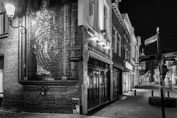 Hometown Nocturnal # 2 van Frank Hoogeboom