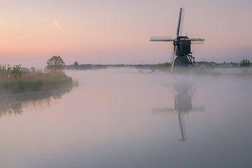 Mistige zonsopkomst Kinderdijk von AdV Photography
