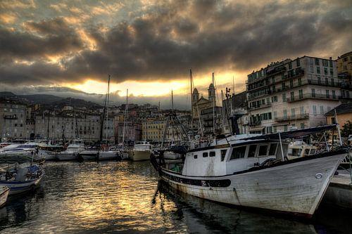 De haven van Bastia van Dennis van de Water