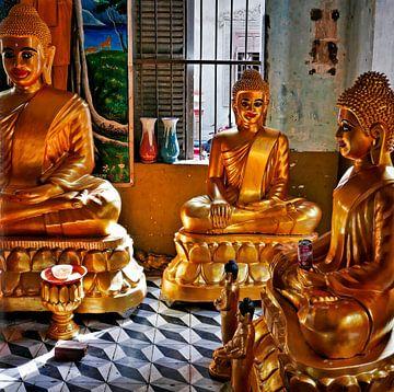 Triple Cambodian Khmer Buddhas. van Michael Klinkhamer