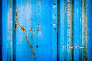 Oud ijzer in blauw van