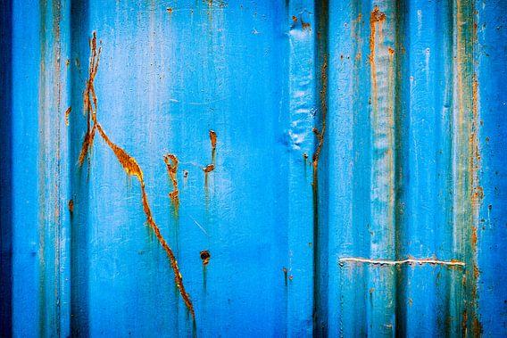 Oud ijzer in blauw
