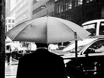 Zwart-witfoto van regenachtige dag in New York van Rutger van Loo