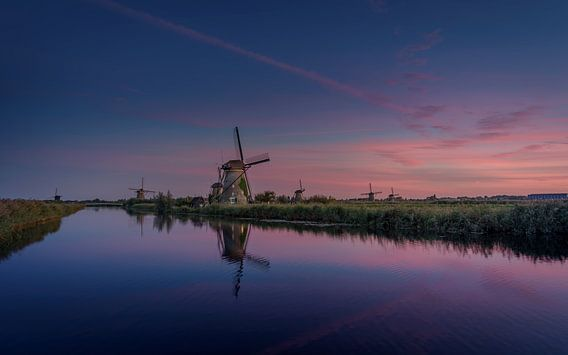 Kinderdijk zonsondergang van Michiel Buijse