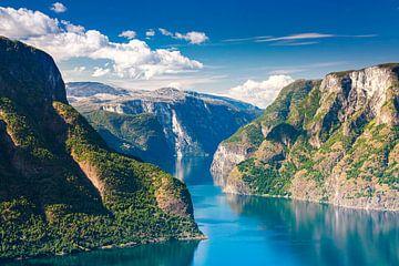 Noorwegen - Aurlandsfjord II van Sascha Kilmer