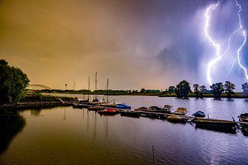 Blitzbesuch am Oosterbeeker Rheinufer Nr.3 von Sébastiaan Stevens