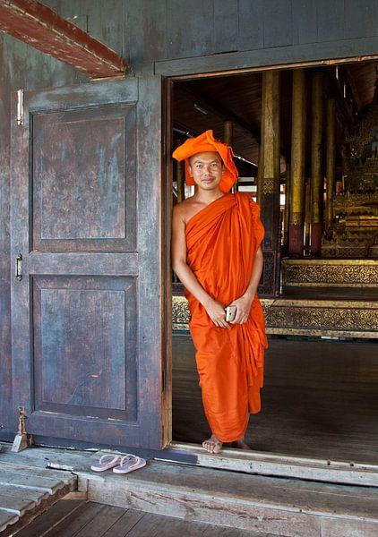 Boeddhistische monnik in Myanmar van Wijnand Plekker