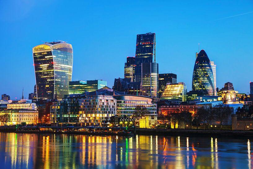 London City bij zonsondergang van Atelier Liesjes