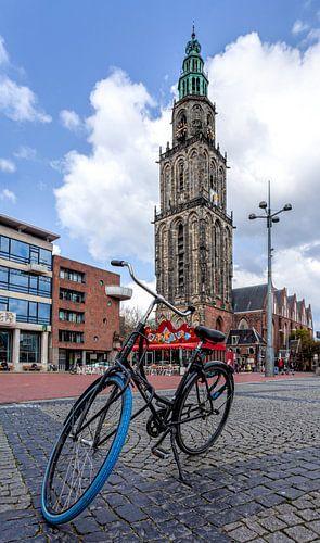 Martinitoren Groningen met fiets er voor