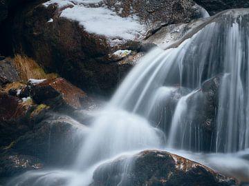 Winter im Rieslochwasserfall im Arberland 1 von Max Schiefele