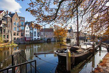 Historisch Delfshaven met woonboten van Peter de Kievith Fotografie