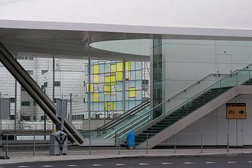 Den Haag - Busstation van Wout van den Berg