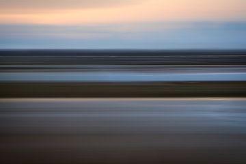 Het landschap raast aan ons voorbij! van Karin de Bruin