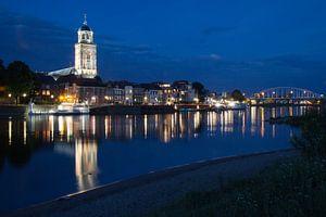 Deventer by Night van Rene Metz