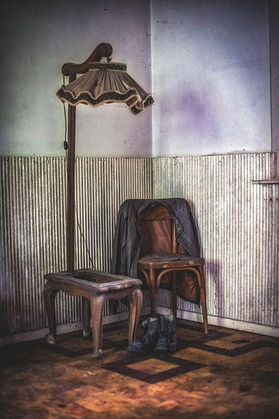 Urbex vintage in een verlaten boerderij in Belgie van Steven Dijkshoorn