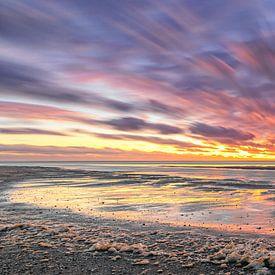 Zonsondergang op Texel. van Justin Sinner Pictures ( Fotograaf op Texel)