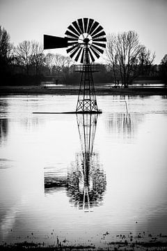 windmolen reflectie van Wim de Vos