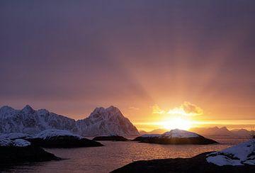 Sonnenaufgang auf den Lofoten von Anam Nàdar