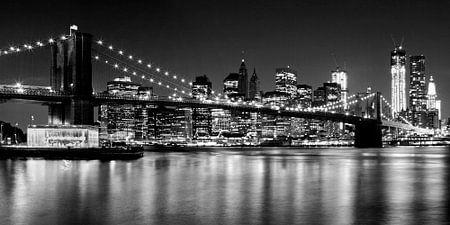 Night Skyline MANHATTAN Brooklyn Bridge b/w