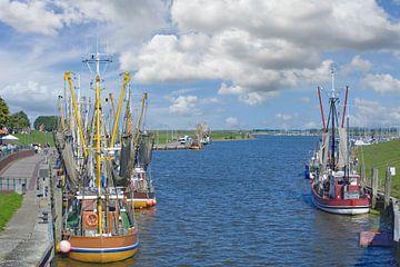 im Hafen von Greetsiel von Peter Eckert