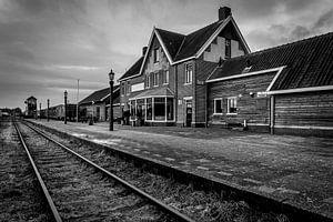 Verlaten treinstation van Durk-jan Veenstra