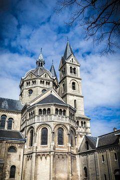 Munsterkerk op het Munsterplein in Roermond, Limburg Nederland van Margriet Cloudt