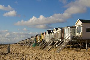 Eenzame strandhuisjes in de zon