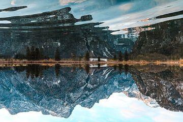 Spiegelung im Wasser von Saranda Hofstra