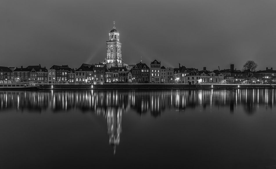Skyline Deventer at Night