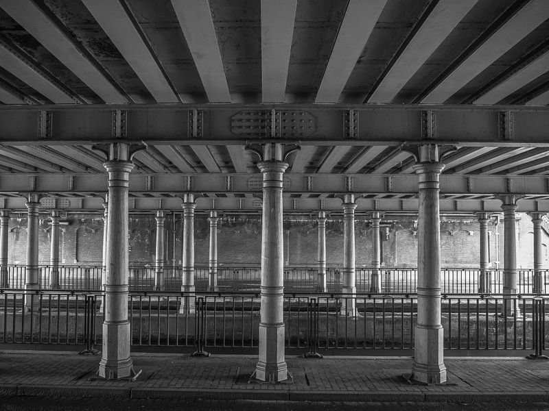 Eisenbahntunnel Haarlem von Martijn Tilroe