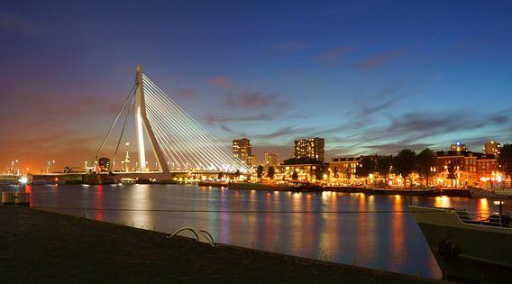 Rotterdam in het donker
