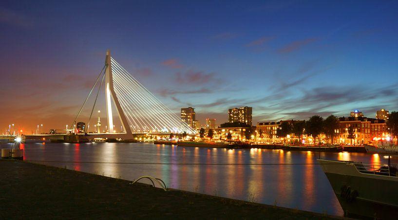 Rotterdam in het donker van Michel van Kooten