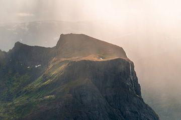 Wasserfall aus dem Nichts. von Axel Weidner