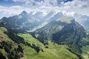 Panoramaansicht Alpstein Massiv mit dem Sämtisersee in der Mitte von Besa Art