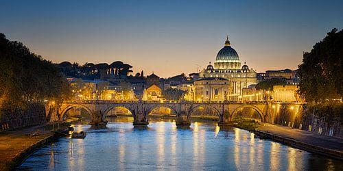 Vaticaan bij zonsondergang van Sjoerd Mouissie