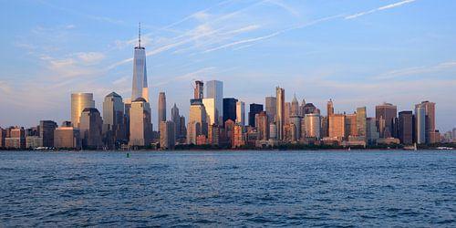 Lower Manhattan Skyline in New York tijdens zonsondergang