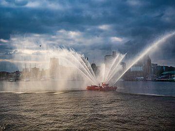 2017-05-06 Feuerlöschboot beim Hafengeburtstag