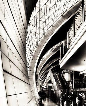 Reflecties op Dubai International Airport van SPOOR Spoor