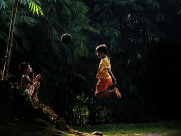 Playing ball sur Edwin van Unen