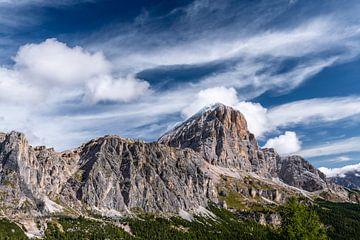 Bergrücken in den Dolomiten von Gerry van Roosmalen