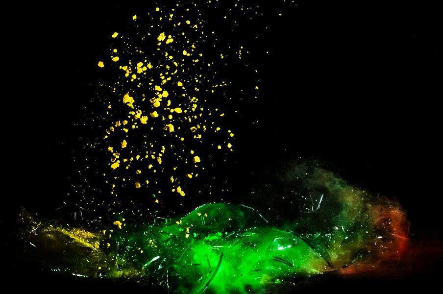 Shattered Glass Red Yellow Green van Michiel ter Elst