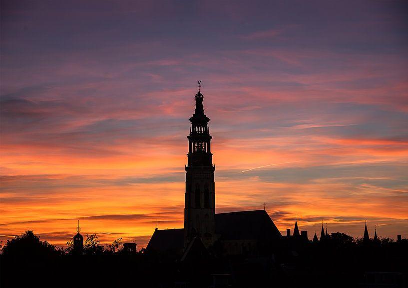 Silhouet Middelburg bij Zonsondergang van Cornelius Fontaine