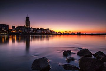 Deventer bei Sonnenaufgang von Ilya Korzelius