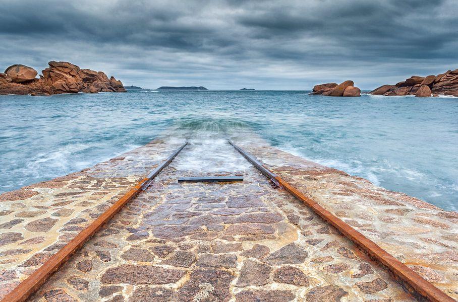 Boothelling in een baai bij Ploumanac'h in Bretagne, Frankrijk