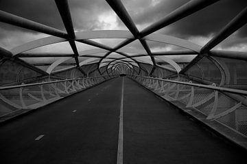 Linien einer Brücke von Wytze Plantenga