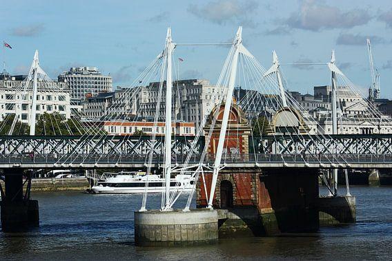 London ... Hungerford Bridge