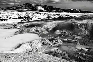 Krafla geothermisch landschap, IJsland (zwart-wit) van