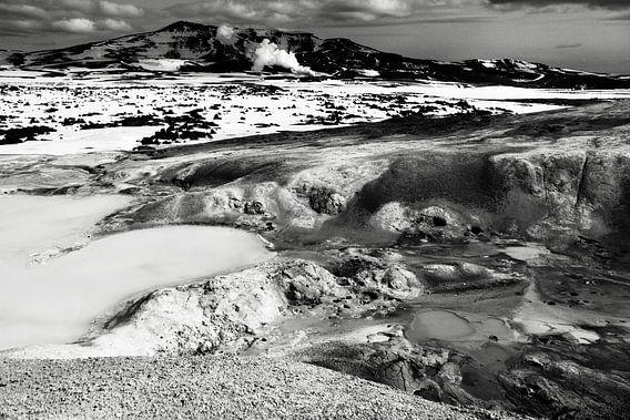 Krafla geothermisch landschap, IJsland (zwart-wit)