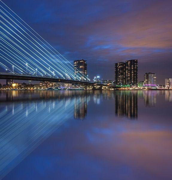 Rotterdam night reflections van Ilya Korzelius