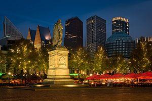 Den Haag: 't Plein in de Avond van